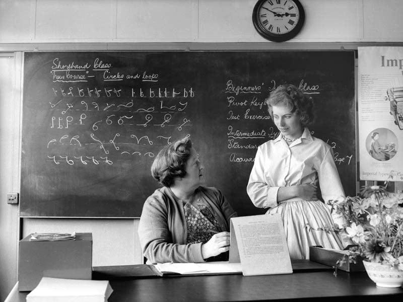 L006369-TypistsSchool-1961