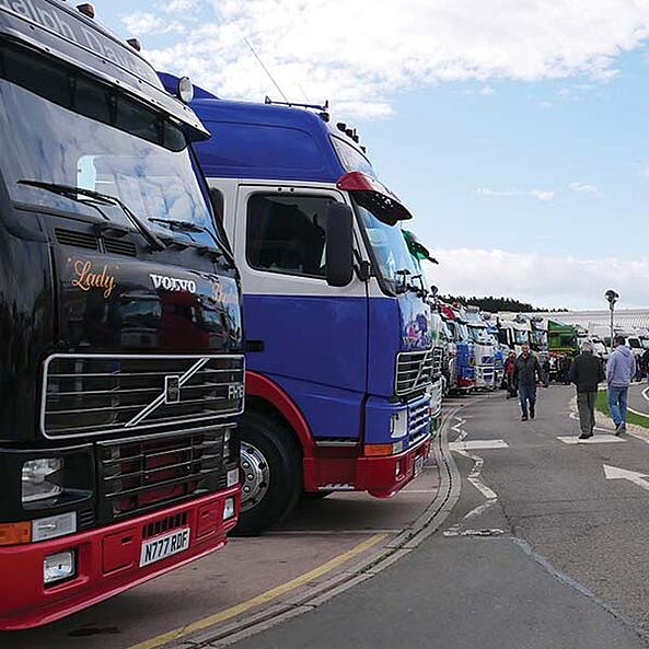 300 trucks descend on Gaydon for Retro Truck Show!
