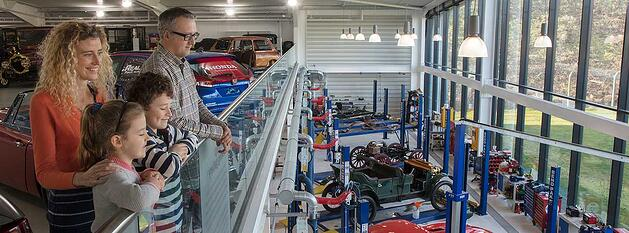Family-looking-at-workshop